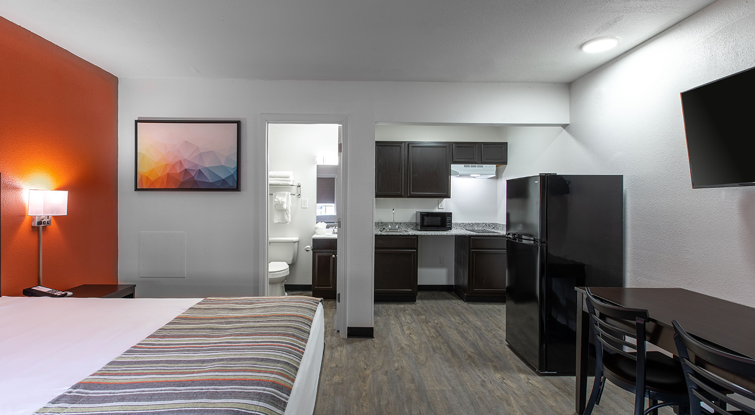 IDEAL BUDGET-FRIENDLY ACCOMMODATIONS FOR YOUR HUB CITY GETAWAY